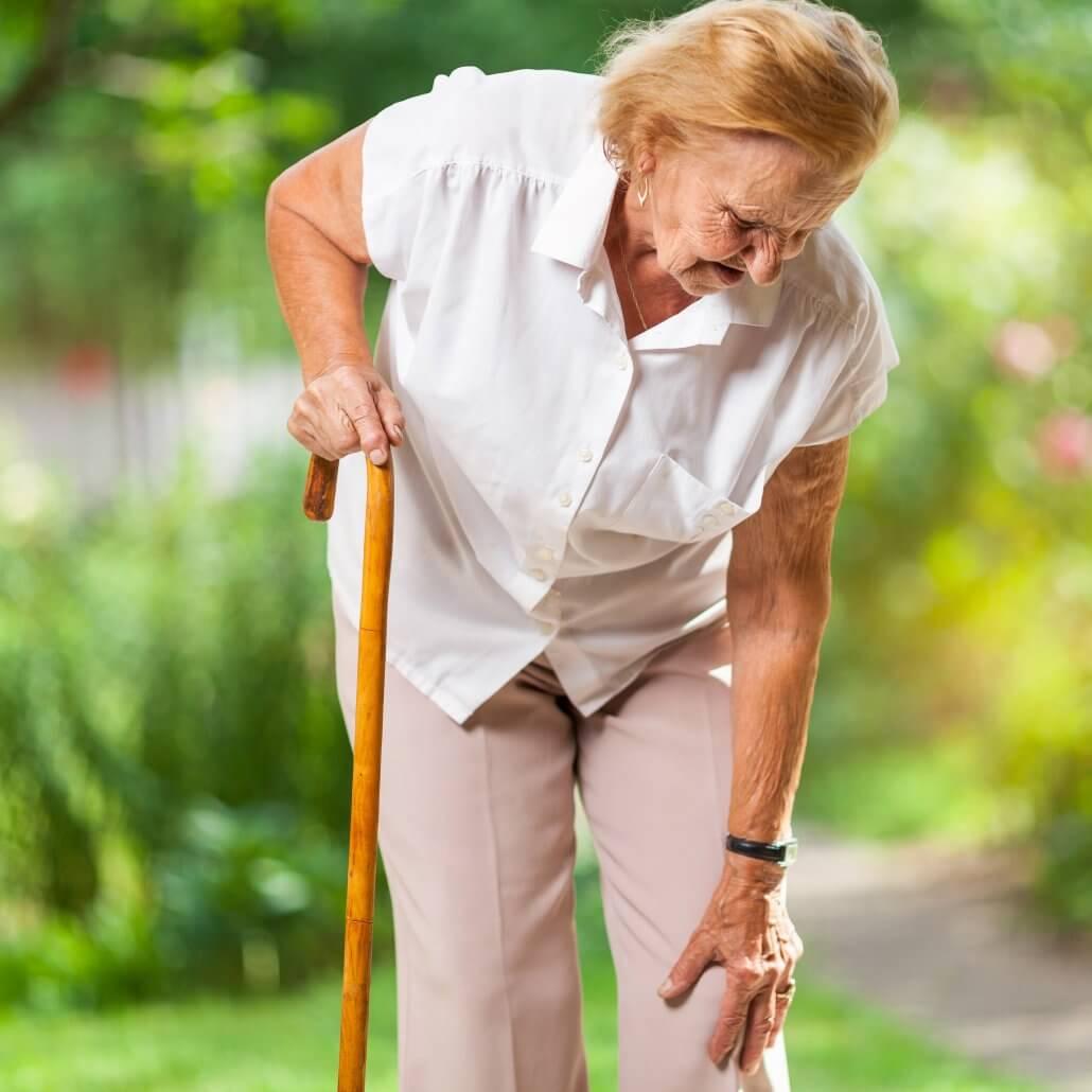 Elderly woman with knee arthritis
